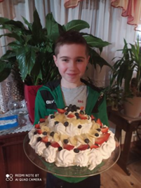 Oskar i jego imponujące ciasto.
